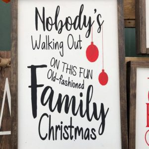 sawdust-and-glitter-gallery-christmas-signs-18.jpg